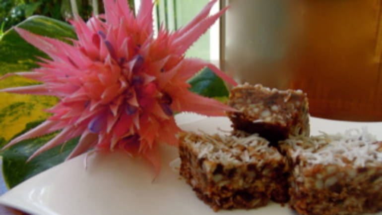 Good Food Friday : Sam Gowing's Peppermint Paleo Crunch