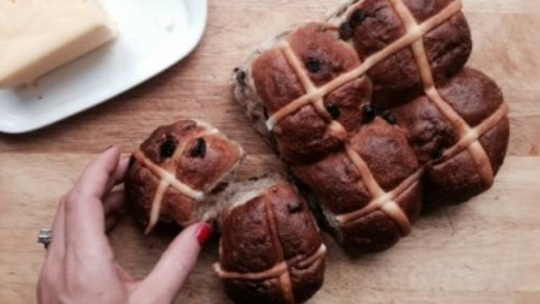 3rd time lucky – my revamped Super Hot Cross Buns