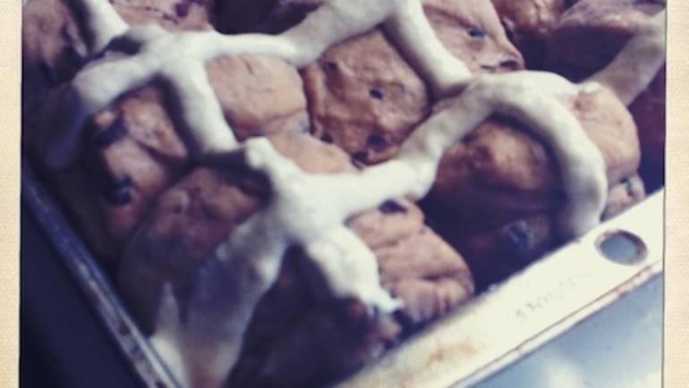 Good Food Friday : Hot cross buns – my style!