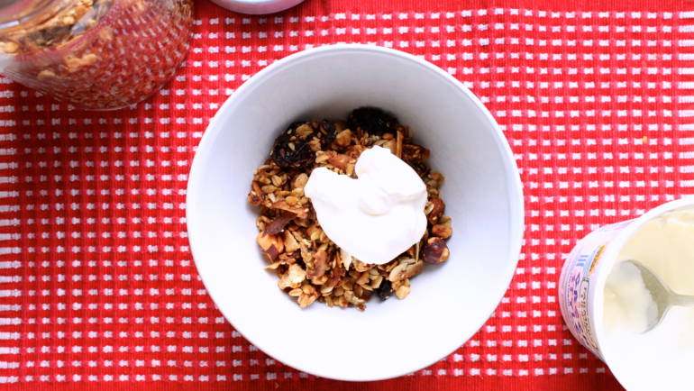 Good Food Friday : Granola.  And my gift (free) to you.