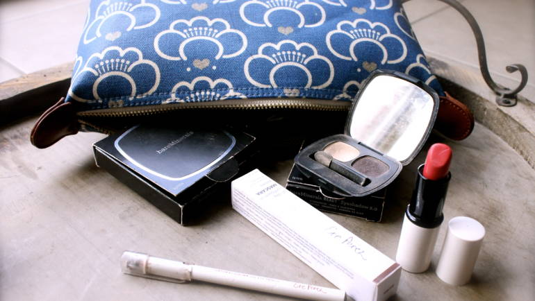 What's in my make-up bag? And your chance to win Ere Perez goodies!