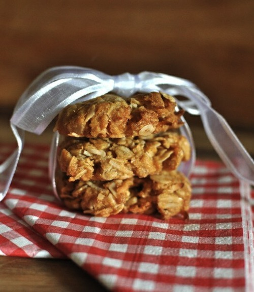 Good Food Friday : Sugar-Free Anzac Biscuits