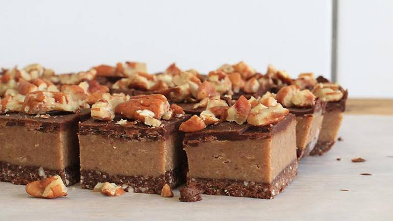 Good Food Friday: Raw Caramel Slice