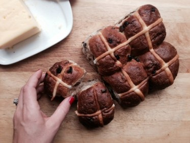 hot-cross-buns-373x280-1